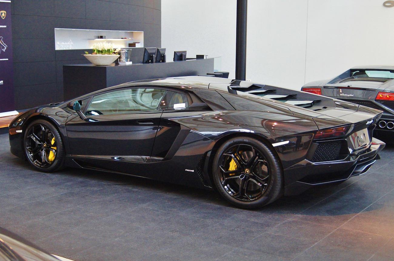 Cla01220 Ferrari Lamborghini Register Nederland
